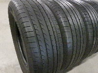 YOKOHAMA BluEarth RV-02:215/65R15・夏タイヤ/4本セット ○